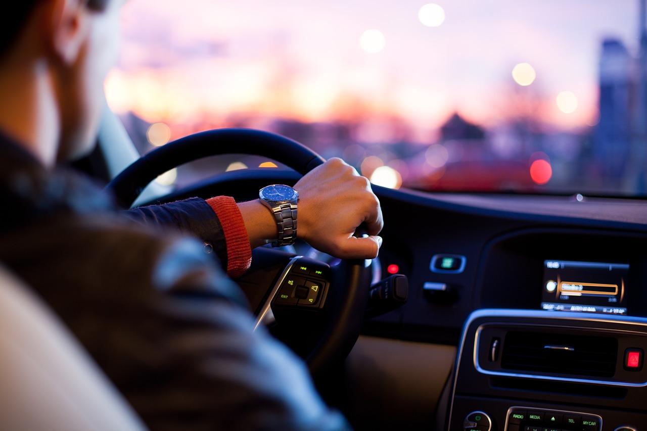 רדיו דולק באוטו
