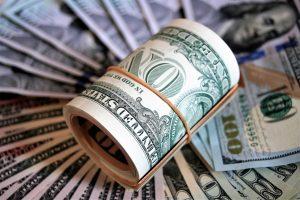 דולרים בשטרות