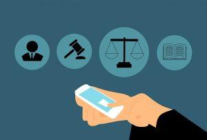 איור של בית המשפט בלחיצת כפתור