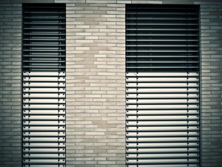 חלונות